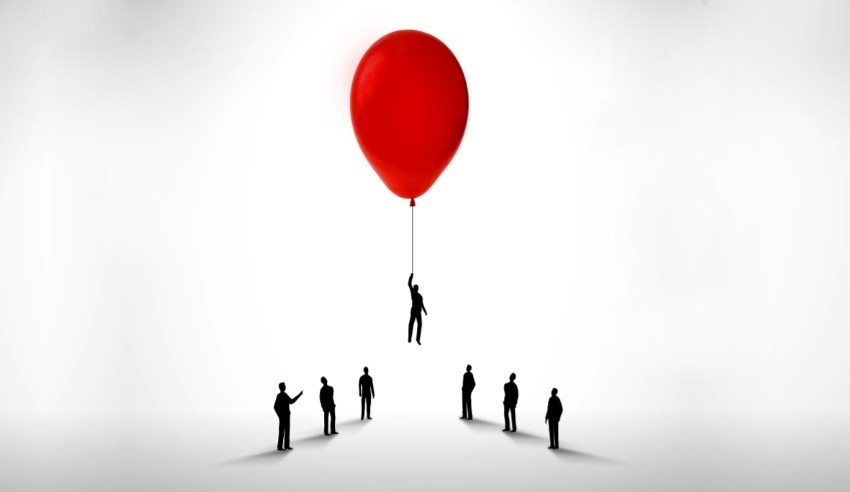 New partner, red balloon