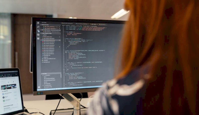 Coding course to grant new lawyers competitive edge
